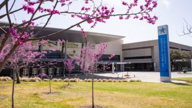Migrant teens in U.S. custody to arrive in Dallas; Gov. Greg Abbott will visit convention center